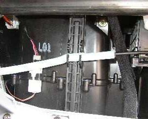 Hyundai Accent крышка фильтра салона