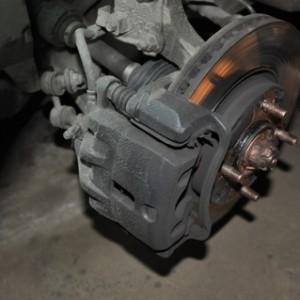 Подробная замена тормозных колодок на Hyundai Elantra 1,6