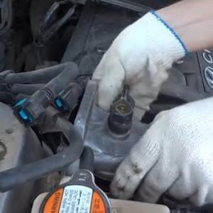Видео по замене топливного фильтра на Hyundai Santa Fe(турбодизель, производство — ТагАЗ)