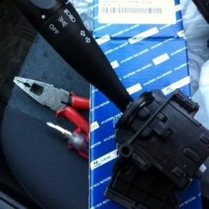 Как отремонтировать рулевой переключатель света на hyundai Getz