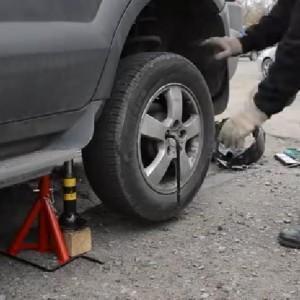 Видео инструкция по замене задних стоек на Hyundai Tucson