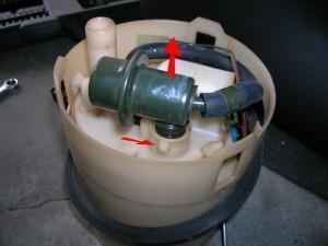 снять фильтр топлива hyundai coupe