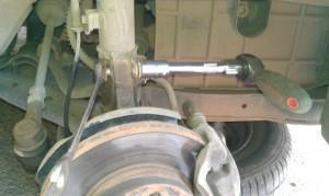 стойка кулак Hyundai Accent