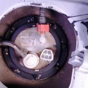 Замена топливного фильтра Hyundai Accent