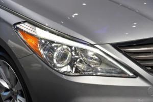 Hyundai Azera 2015 года фара