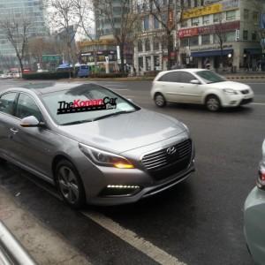 Был сфотографирован гибридный Hyundai Sonata(2015) на улице