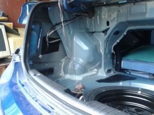 обшивка багажника solaris