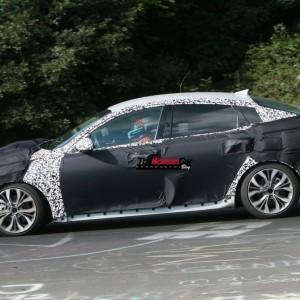Новый дизайн для Kia Optima — под камуфляжем