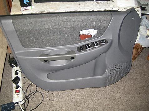 обшивки на двери Hyundai Accent