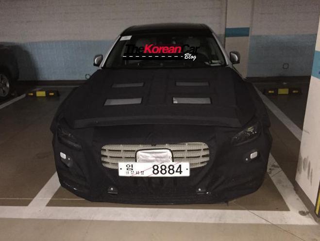 Странные фотографии нового Hyundai Genesis