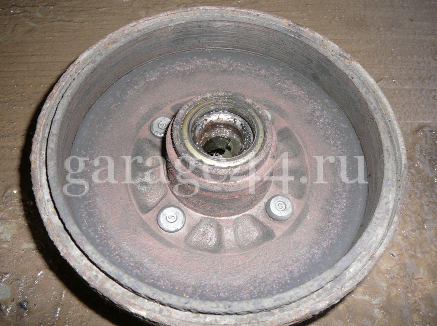 Как заменить колодки на задних барабанах Kia Rio(фото инструкция)