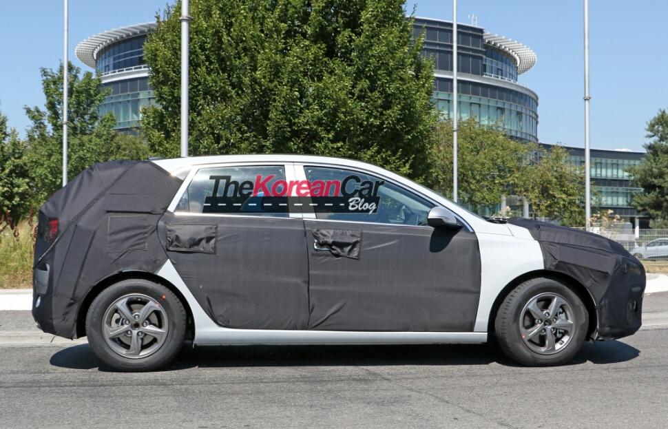 Несколько фотографии нового поколения Hyundai i30