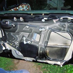 Фото отчет по замене моторчика стеклоподъемника на Хендай Тибурон