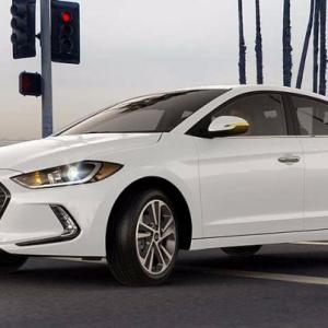 Фото с дебюта Hyundai Elantra 2017 года