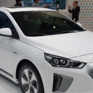 К 2020 году, Хендай обещает электро машину с запасом хода в 250 миль